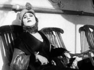 theda-bara-a-fool-there-was1-500x374